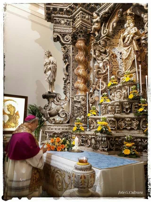 Io penso che avere eletto Maria patrona della diocesi, significa lasciare a lei il governo della diocesi. E quando governa la Madre .. noi sappiamo che la Madre governa con tenerezza
