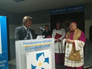 Il Vescovo Giuseppe visita gli ammalati dell'Ospedale Giglio